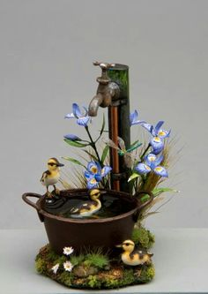 IGMA Fellow Beth Freeman-Kane from South Africa specializes in sculptures of birds and small wildlife in natural settings.