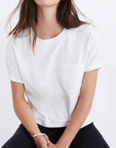White Tees — 8 Interesting White Tee Shirts to Add to Your Wardrobe Now - Crop White Tee La mejor imagen sobre decorating coffee tables para tu gusto Estás buscando algo y - White Tshirt Outfit, White Tee Shirts, Casual T Shirts, White Tees, Plain Tees, Cool Outfits, T Shirts For Women, Bikini, Clothes