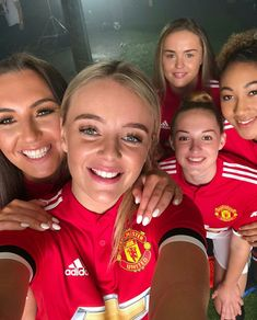Manchester United have announced their women's squad ahead of the upcoming campaign. Manager Casey Stoney, a former Liverpool player, has talked up her 'exciting' squad. Liverpool Football Tickets, Liverpool Players, Liverpool Fans, Manchester United Fans, Football Girls, Football Fans, Football Players, Doncaster Rovers, Stoke City Fc