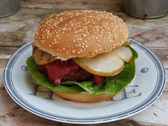 Gruss aus der Hexenküche: Hirschburger mit Maronen und gegrillter Birne