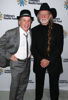 Willie Nelson and Paul Simon Photo - Children's Health Fund Benefit