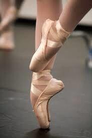 Love love love pointe shoes