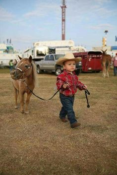 The cutest thing you'll see today! So Cute Baby, Cute Baby Boy Outfits, Cute Baby Clothes, Cute Kids, Cute Babies, Babies Clothes, Babies Stuff, Western Baby Clothes, Western Babies