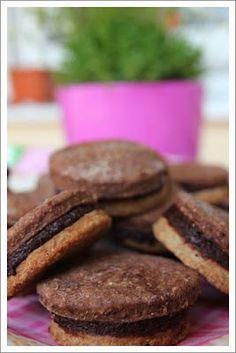 Rita anti-candida konyhája: Pilótakeksz tönkölybúzalisztből Mousse, Paleo, Vegan, Cookies, Chocolate, Health, Desserts, How To Make, Food