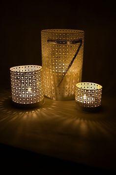 DIY Moroccan lanterns using perforated metal sheets Lantern Centerpiece Wedding, Wedding Centerpieces, Diy Lantern, Vase Centerpieces, Diy Candle Holders, Diy Candles, Beeswax Candles, Tin Can Crafts, Diy Crafts