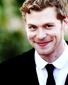 Them dimples! Klaus Mikaelson - The Vampire Diaries. ♥