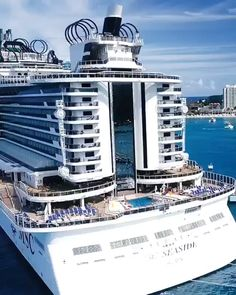 Popular Summer Vacation Destinations for Couples – Travel By Cruise Ship Cruise Vacation, Vacation Spots, Cruise Travel, Bateau Yacht, Places To Travel, Travel Destinations, Travel Stuff, Msc Cruises, Ocho Rios