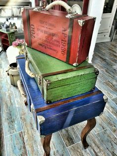 Old Suitcases, Storage Trunk, Vintage Wood, Furniture Makeover, Painting On Wood, Wood Crafts, Canvas Wall Art, Recycling, Ideas