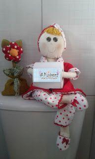 A Fuxikeira Ateliê de Patchwork e Costura Criativa: Enfeite de banheiro: boneca porta p.higiênico.