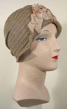 a4edd9cd4059c Vintage 1920s Tan Straw and Horsehair Braid Cloche Hat Great Gatsby  Fashion
