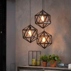 Hanglamp 'Sia' triangel, kleur zwart - All For Decoration Cool Lamps, Unique Lamps, Small Lamps, Home Lighting, Modern Lighting, Lustre Industrial, Lampe Decoration, Diy Chandelier, Luminaire Design