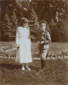 Anastasia and Alexei, 1915