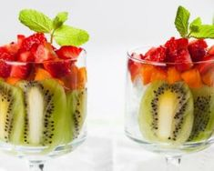 Enjoy our collection of online recipes from kitchens like yours. Browse breakfast recipes, lunch recipes, dinner recipes, dessert recipes and more. Dessert Kiwi, Cooking Tips, Cooking Recipes, Healthy Snacks, Healthy Recipes, Creative Desserts, Eat Fruit, Parfait, Smoothies