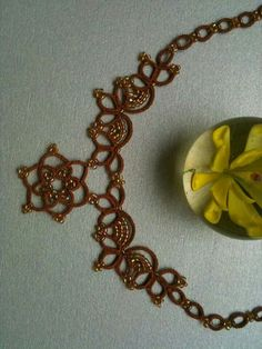 .tatting with beads - simple and elegant, worth to try