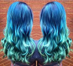 Wonderful mermaid hair style, teal blue to green ombre hair color with nice waves~