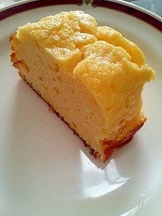 《まるでチーズケーキ♪おからヨーグルトケーキ》おから100g, 砂糖80g, ヨーグルト400g, 卵2個, レモン汁大1, BP小1, 薄力粉60g ●材料を混ぜて180度で50分焼く http://recipe.rakuten.co.jp/recipe/1640006485/