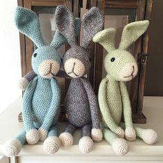 Joehoe, de konijnen zijn klaar! Mooi op tijd om mee te kunnen nemen naar de Hip en Handgemaakt markten die op het programma staan...
