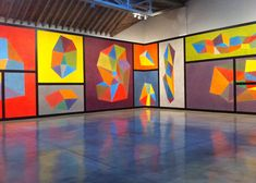 "Sol Lewitt, ""Wall Drawing #564: Complex forms with color ink washes superimposed"" (1988). Installation view. (Photo by the author for Hypera..."