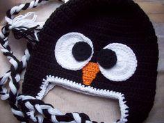 Gorro fofo em formato de cabecinha de pinguim. Pode ser feito no tamanho desejado. R$ 47,00