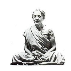 1975: Indra Devi, Mother of Yoga ...... #vintageyoga #yogahistory #yoga…