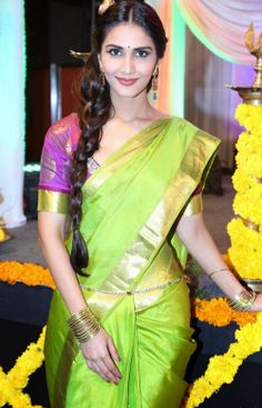 Vaani Kapoor Hot Photos #VaaniKapoor #FoundPix #BollywoodActress