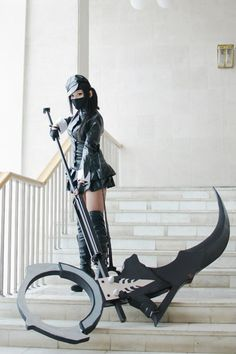 Cosplay- looks like the succubus from vindictus, either that or its something… Cosplay Weapons, Anime Weapons, Fantasy Weapons, Cosplay Outfits, Cosplay Girls, Cosplay Costumes, Succubus Cosplay, Halloween Costume Props, Knife Party