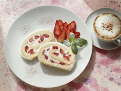 Rouladen müssen nicht immer süß sein ;-) Erdbeerroulade - smarter - Zeit: 40 Min. | eatsmarter.de