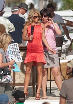 Kelly Ripa - Regis And Kelly Film 'Live With Regis & Kelly' In Miami