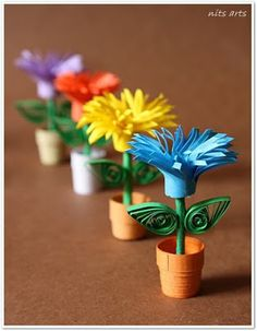 Quilling flowers - Tiny Quilled Flower pots make 6 Paper Quilling Patterns, Origami And Quilling, Quilling Paper Craft, Quilling Craft, Quilling Tutorial, Creative Crafts, Diy Crafts, Quilled Creations, Quilling Techniques