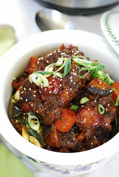 This Instant Pot Korean oxtail is so flavorful and fork tender! Oxtail is a tough cut of meat, that takes hours to tenderize, but it takes a fraction of time in the Instant Pot. Instant Pot Pressure Cooker, Pressure Cooker Recipes, Pressure Cooking, Pressure Cooker Oxtail, Slow Cooker, Stovetop Pressure Cooker, Oxtail Recipes, Beef Recipes, Cooking Recipes