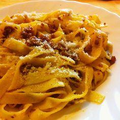#Fettuccine con #ragù d'oca e una bella spolverata di #formaggio. Qualcuno ne gradisce un po'? ;) #pasta #LucianaMosconi