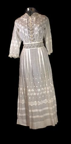 "Antique Dress 1890s to 1915 Edwardian Cotton Lawn or Tea Batiste Cotton Dress Size XX Small The entire dress is embroidered with ""white work or French knotting"". On the back of the dress, there are bu"