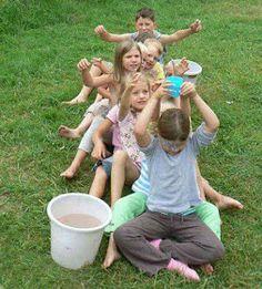 Colección de juegos: Colección de 20 Juegos para jugar en un parque o zona campestre Kids Party Games, Fun Games, Field Day Games, Outside Games, Team Building Games, Water Party, Camping Games, Camping Tips, Backyard Games