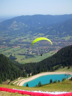 Brauneck Mountain, Munich, Germany | www.leadmeaway.com | #munich #germany #europe #summer #bavaria #brauneck #mountain #nature #scenery #green #paragliding #adventure