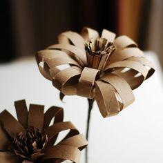 recycler le rouleau de papier toilette, grandes fleurs