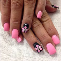 Cute Black And Pink Nail Art Designs 2017 Ideas 43 Pink Nail Art, Flower Nail Art, Nail Art Flowers Designs, Flower Designs, Fingernail Designs, Toe Nail Designs, Pedicure Designs, Shellac Nails, Toe Nails