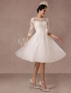 Short Wedding Dress Vintage Lace Applique Long Sleeves Tea-length A-line Tulle Bridal Gown With Flower Sash