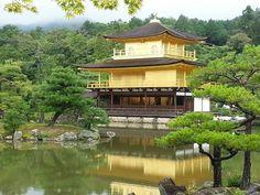 Temple du Pavillon d'or (Kinkaku-ji) (Kyoto) - TripAdvisor Japan Destinations, Temple Of The Golden Pavilion, Golden Temple, Beautiful Places In Japan, Japan Travel Tips, Travel Guide, Kyoto Japan, Future Travel, Travel Pictures