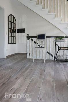 Erstaunlich Wohnzimmer Fliesen Grau