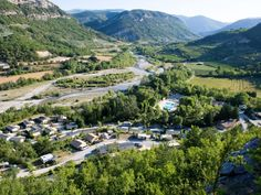 Jolis campings en Drôme Provençale, bien entretenus, ambiance sympa, région Montélimar