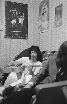 """Freddie Mercury is one of the rock world's most versatile and engaging performers as the lead singer of Queen. He is best known for his mock operatic masterpiece, """"Bohemian Rhapsody,"""" which was also the title of a 2018 biopic on the performer's life. Rami Malek, Queen Freddie Mercury, Freddie Mercury Quotes, John Deacon, Vogue Paris, Freddie Mecury, El Rock And Roll, Gb Bilder, Roger Taylor"""