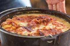 Bacon-Kartoffelauflauf aus dem Dutch-Oven Outdoor Kitchen Rezept Dutch Oven 09
