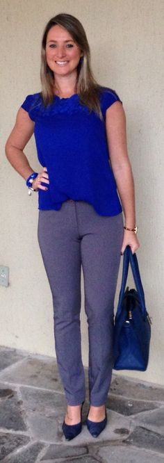 Look de trabalho - Look do dia - moda corporativa - calça social- cinza e azul - grey and blue - azul royal - azul klein Professional Wardrobe, Professional Dresses, Work Wardrobe, Beautiful Outfits, Cute Outfits, Look Office, Spring Work Outfits, Work Looks, Vogue
