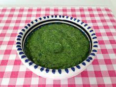 Basilicum pesto met walnoot | Het lekkerste recept vind je op AllesOverItaliaansEten