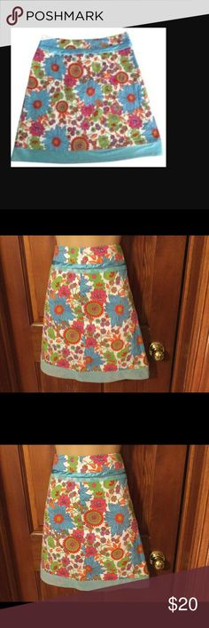 PERSAMAN NEW YORK SKIRT This skirt is in EXCELLENT condition! Lined skirt with zipper in the back.  Machine wash cold. Persaman New York Skirts Pencil