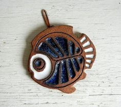 Fantastic 1970s rustic ceramic fish trivet | wall-hanging created by Oregon artist Victoria Littlejohn.