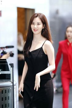 Yoona, Sooyoung, Snsd Fashion, Young Fashion, Korean Fashion, Korean Beauty, Asian Beauty, Singer Fashion, Yuri