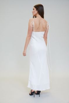 Wedding dress silk slim White Bridal Shower Dress, White Bridal Dresses, Stunning Wedding Dresses, Davids Bridal Dresses, Wedding Dresses Plus Size, Wedding Dress Styles, Satin Dresses, Bridal Gowns, Civil Ceremony Wedding Dress