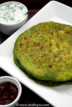 Indian Palak Paneer Paratha recipe (Spinach and Paneer Flatbread). Make glutenfree using gf flour blends and or buckwheat. Indian Veg Recipes, Asian Recipes, Vegetarian Recipes, Cooking Recipes, Yummy Recipes, Palak Paratha, Palak Paneer, Ayurveda, Indian Flat Bread