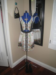 Floral cutout dress, Dolce and Gabbana, gold necklace, gladiator sandals, outfit, black purse, Dooney and Bourke